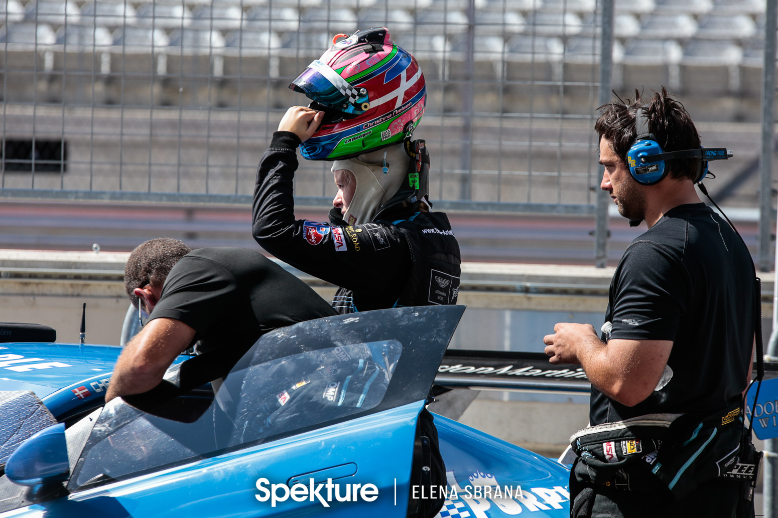 Earchphoto - Christina Nielsen getting ready for a race with Team TRG.