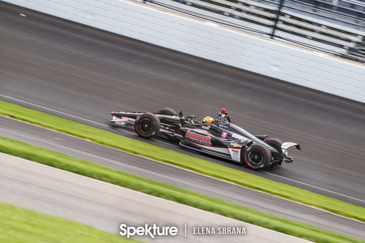 Earchphoto Sports -Spencer Pigot on track