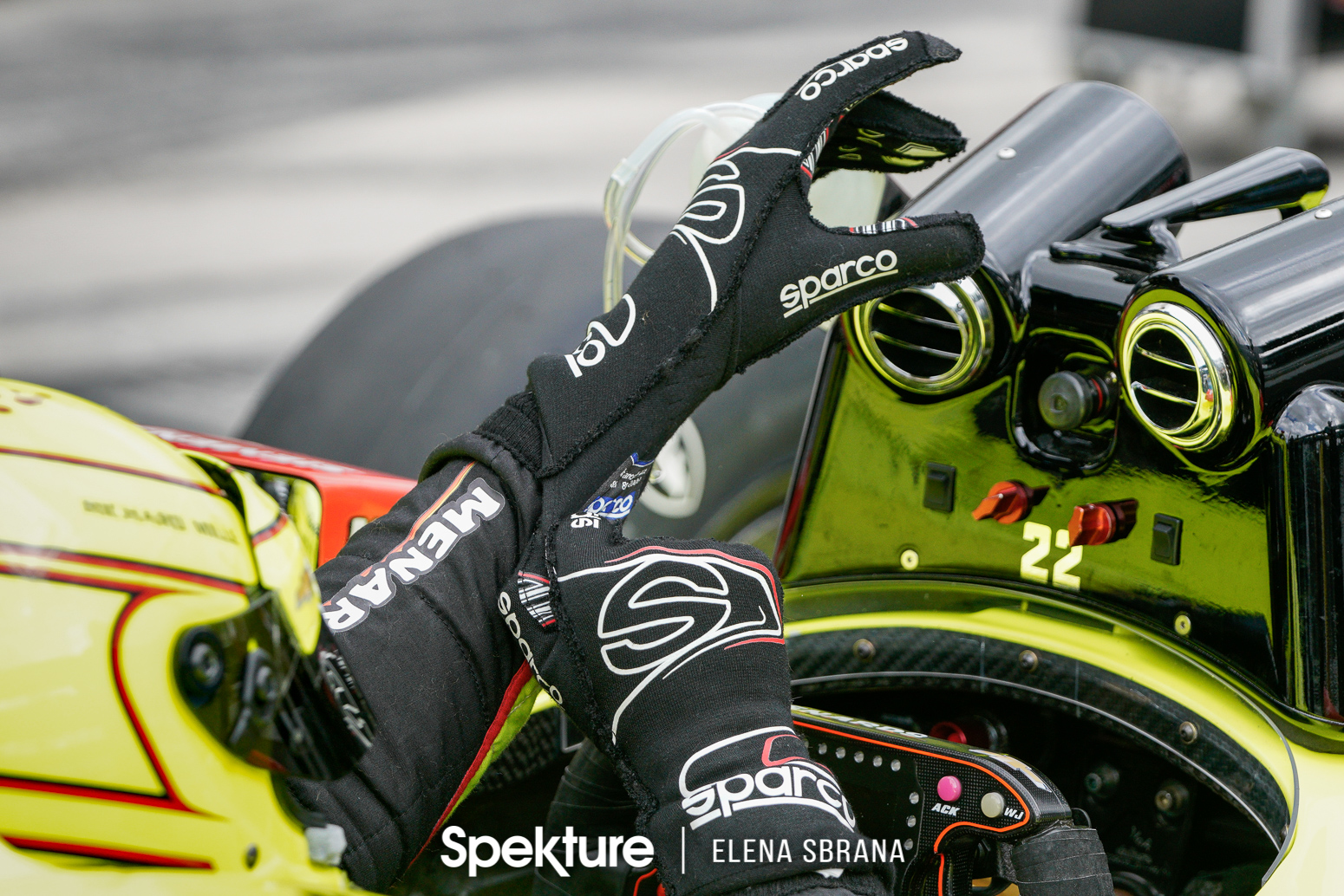 Earchphoto Sports - Simon Pagenaud prepares for Sunday qualifying